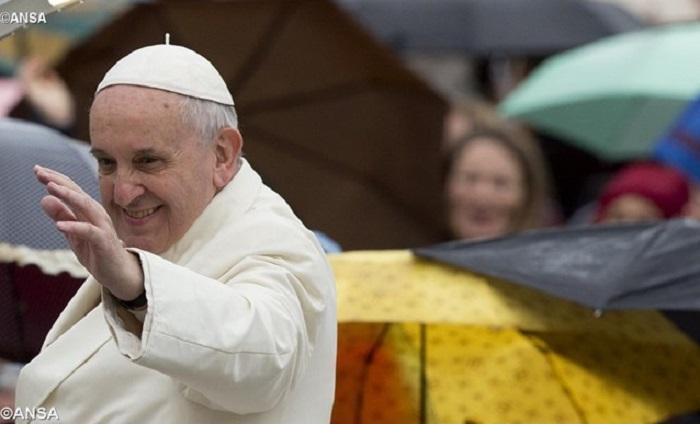 Dom Ladaria: Papa quer valorizar o papel das mulheres na Igreja