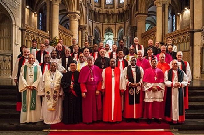 Bispos católicos e anglicanos encontram Francisco e Welby