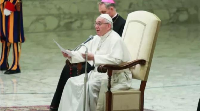 Papa explica importância do presépio em casa no Advento e no Natal