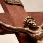 Igreja dá início ao Tríduo Pascal: a culminância de todo o ano litúrgico