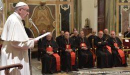 Superar desequilíbrios e intrigas é pedido de Papa à Cúria Romana
