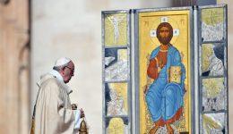 """Papa: ressurreição, uma """"surpresa"""" que nos coloca em caminho"""