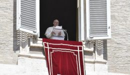 No Regina Coeli, Papa pede ao mundo a redescoberta da fraternidade