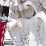 Papa: o serviço a Deus se expressa também no generoso serviço aos irmãos