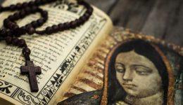 Papa: rezar o Terço todos os dias em outubro