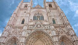 Prendem acólito que confessou ser o autor do incêndio da Catedral de Nantes